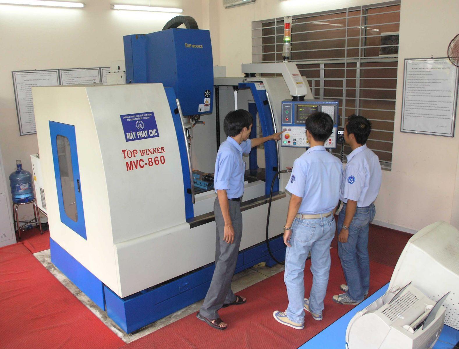 Các đơn vị cung cấp máy CNC fanuc