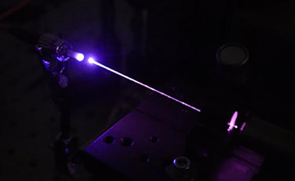Tia laser được ứng dụng vào nhiều lĩnh vực đời sống