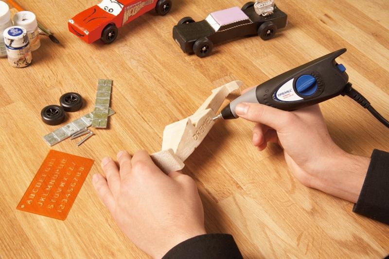 Giới thiệu về máy khắc gỗ cầm tay