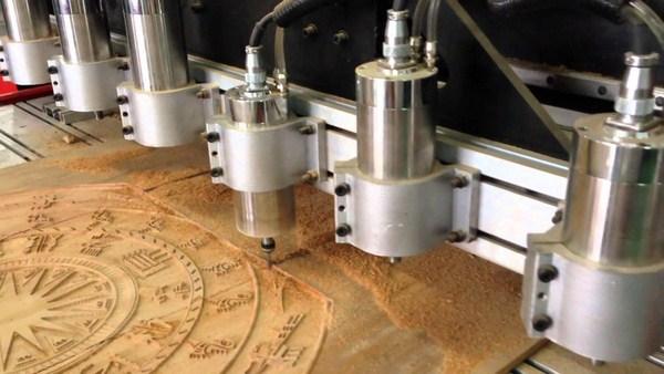 Máy đục gỗ 4 mũi của Tuấn Kiệt cho ra đời những sản phẩm hoàn mỹ.