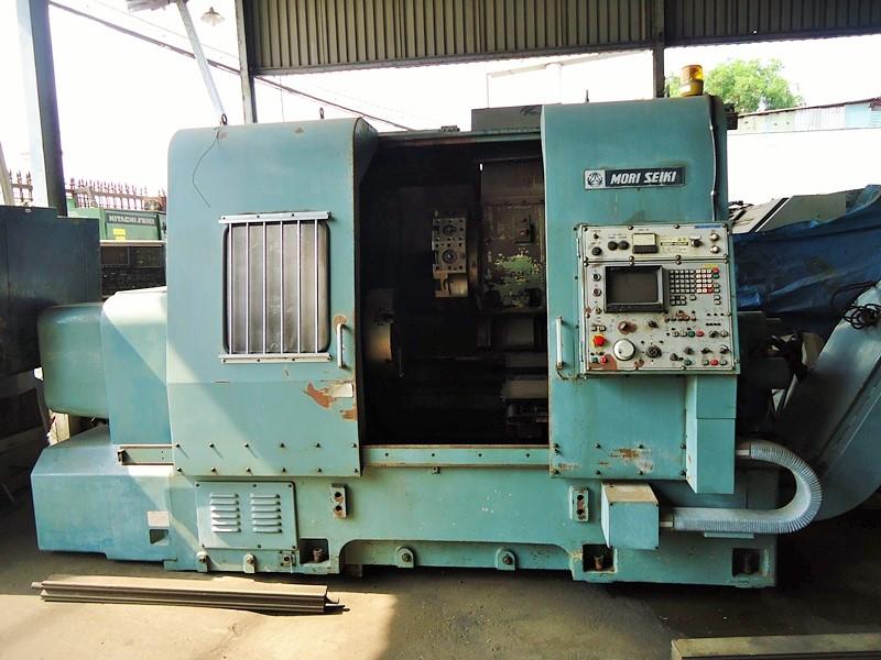 Máy tiện CNC cũ đang được rao bán nhiều trên thị trường