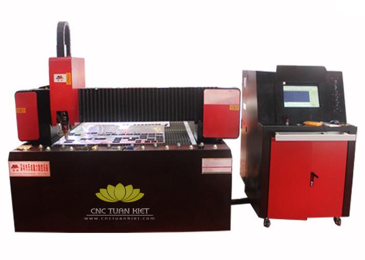 So sánh máy cắt laser CO2 và máy cắt laser Fiber