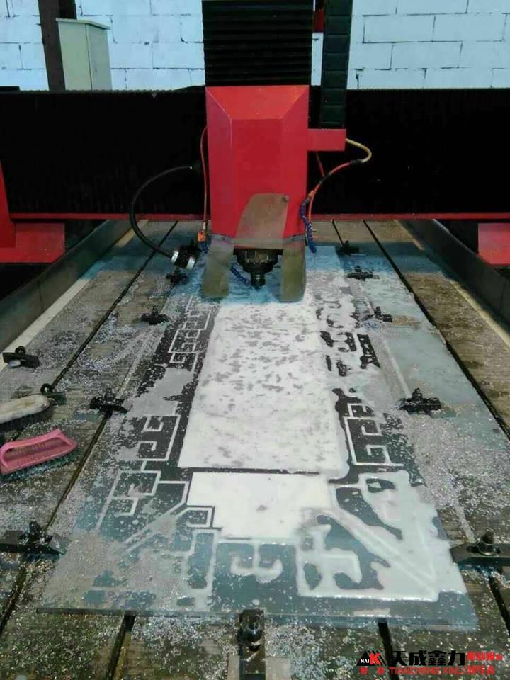 Hình ảnh máy đục khắc kim loại 1325HA
