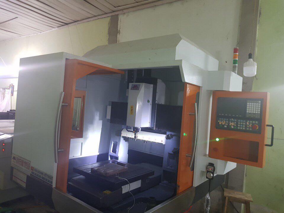 Máy khắc kim loại 6060v