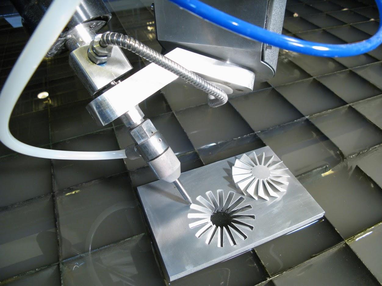 Một số ưu ,nhược điểm của máy cắt tia nước